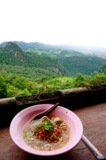 Having a spicy lunch with a sweet view in Ban Jabo